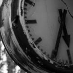 英語のことわざ【壊れた時計も1日に2回は正しくなる】